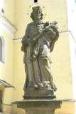 Vizovice, před kostelem